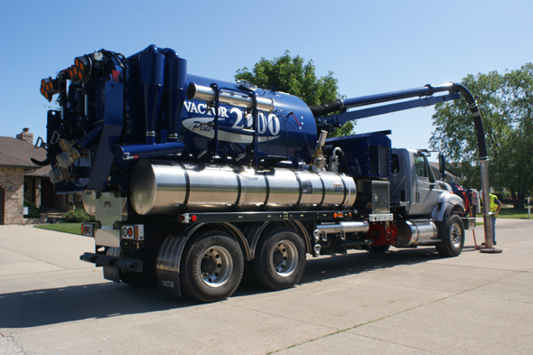2100 Plus: High-performance sewer cleaning